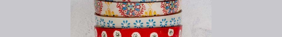 Descriptivo Materiales  4 tazones de cerámica Bohemia