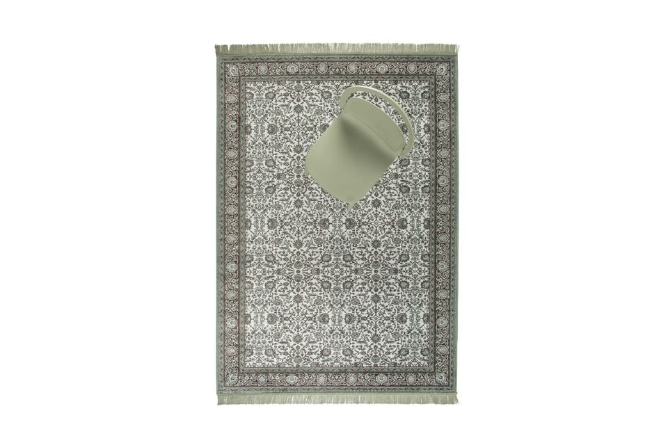 Una gran alfombra con un diseño gráfico