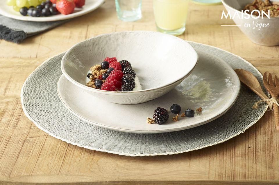Decora tu comedor con el mantel Eclat y su elegante color gris con reflejos azulados