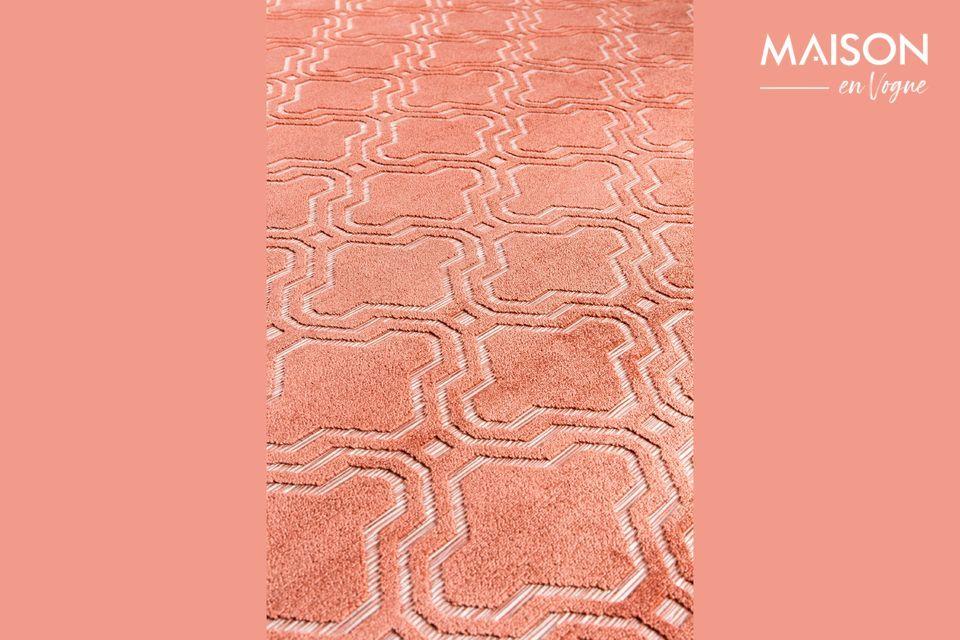 Para añadir color a tu habitación, elige una alfombra como la rosa Feike de White Label Living