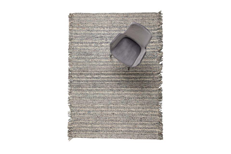 Tejida a mano, esta alfombra dejará huella inmediatamente en cualquier habitación