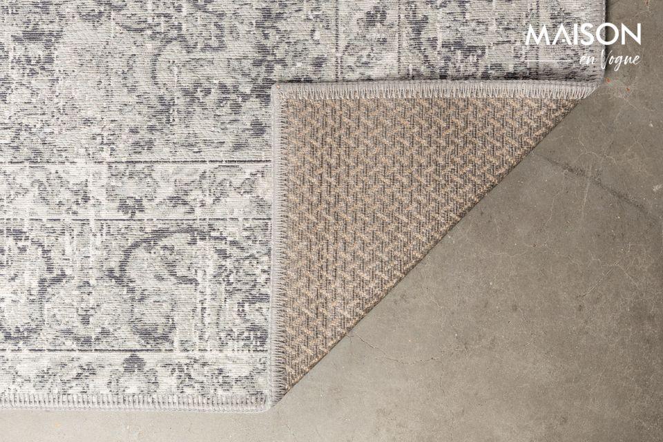 Fue durante un viaje por la India que encontramos la inspiración para el diseño de la alfombra