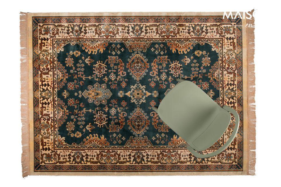 Alfombra de estilo iraní que ofrece comodidad y elegancia a su interior.