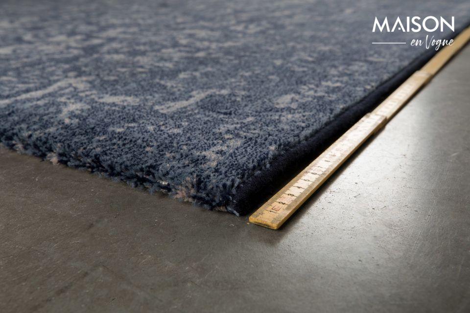 El reverso de esta alfombra con cerradura está hecho completamente de yute