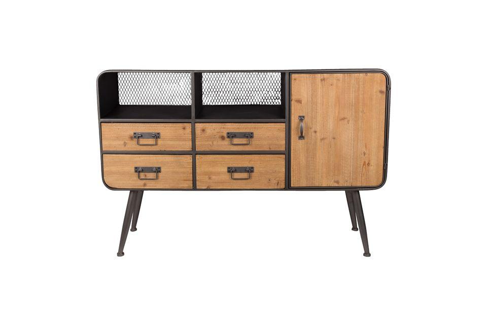 Dos pequeñas cajas con fondo de malla metálica completan este mueble