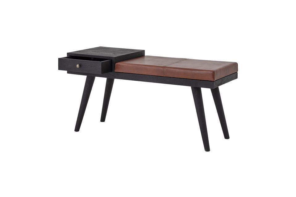 En la sala de estar, se puede usar como asiento de refuerzo o como soporte para sus baratijas