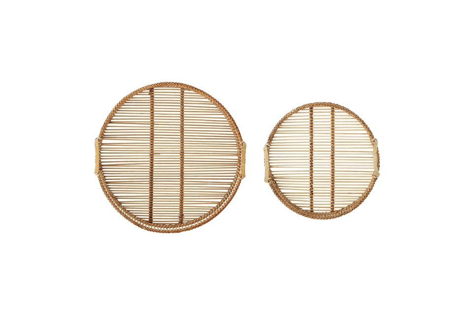 Este juego de dos bandejas de bambú de diferentes tamaños le dará un bonito toque decorativo a su