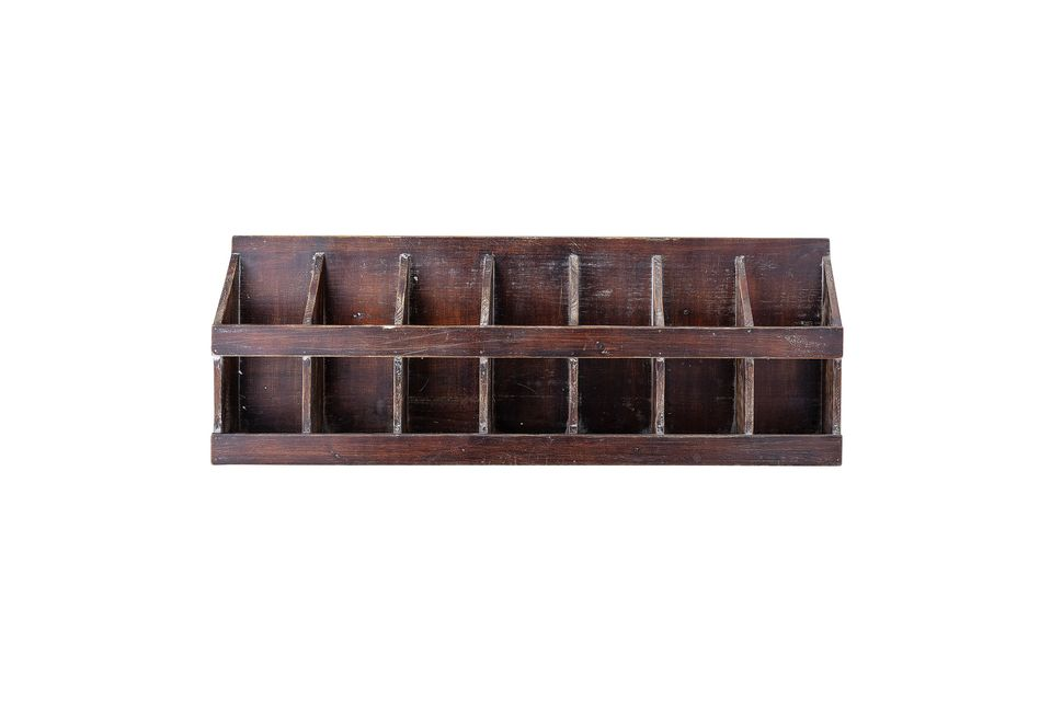 Este estante de pino con una pátina se verá muy bien en su cocina o sala de estar