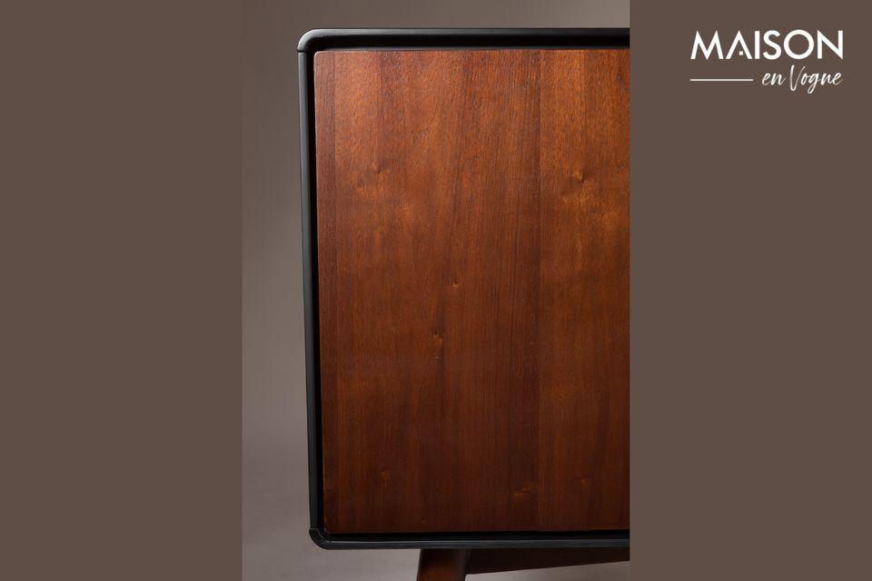 Sus materiales de calidad y su estudiada y refinada arquitectura lo convierten en un mueble