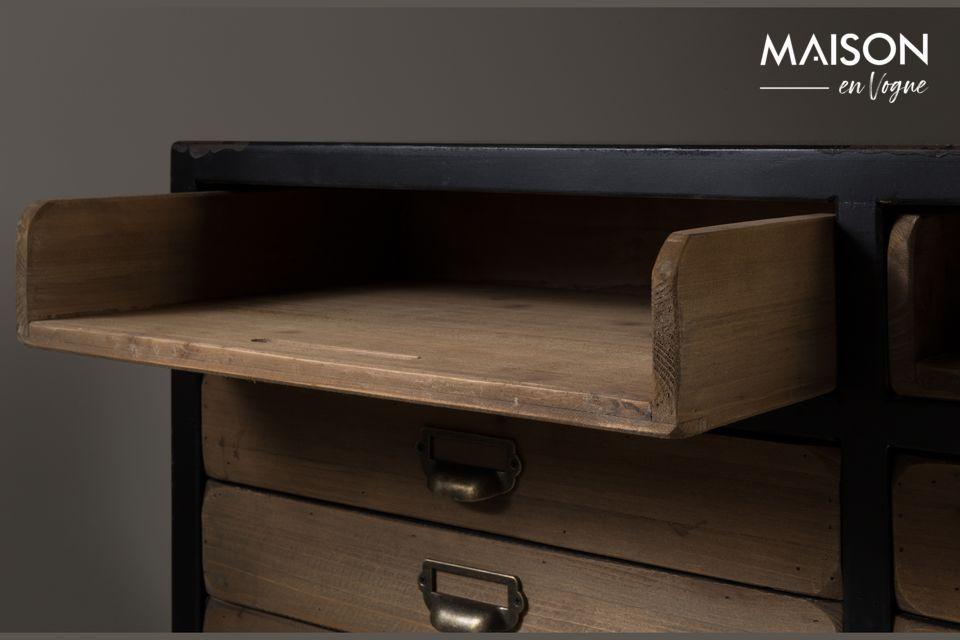 Es el mueble perfecto para guardar todo, con un aspecto escandinavo como extra