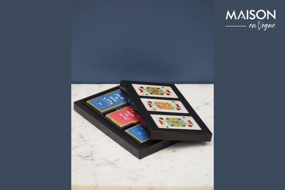Una bonita caja de diseño para guardar tus juegos de cartas