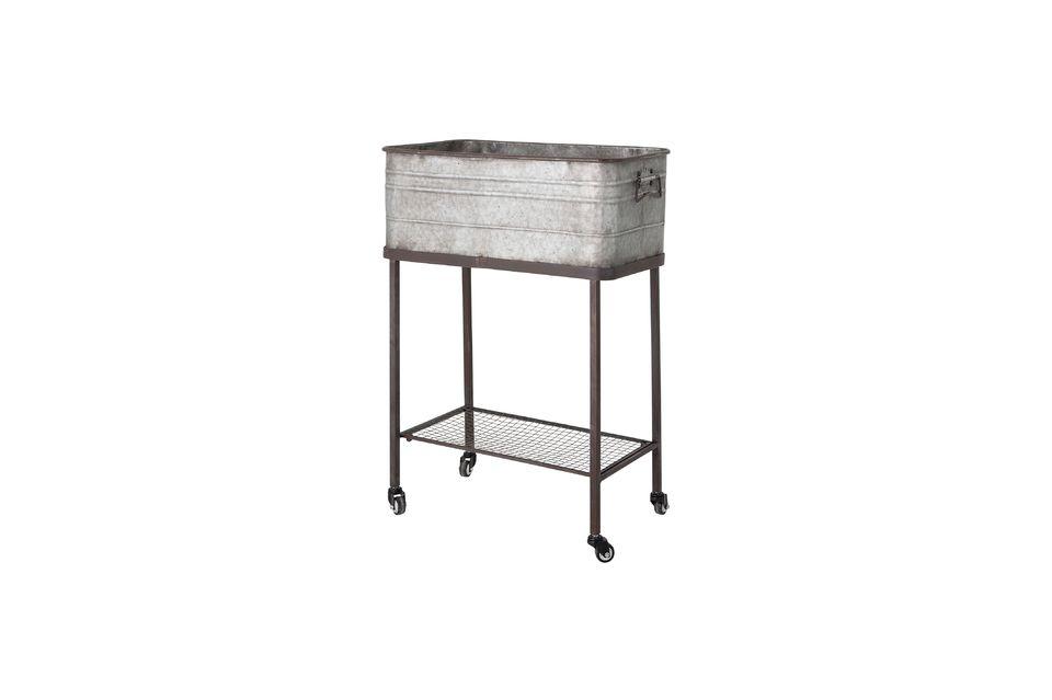Esta caja de almacenamiento de metal con aspecto de antigüedad contendrá todo tipo de objetos