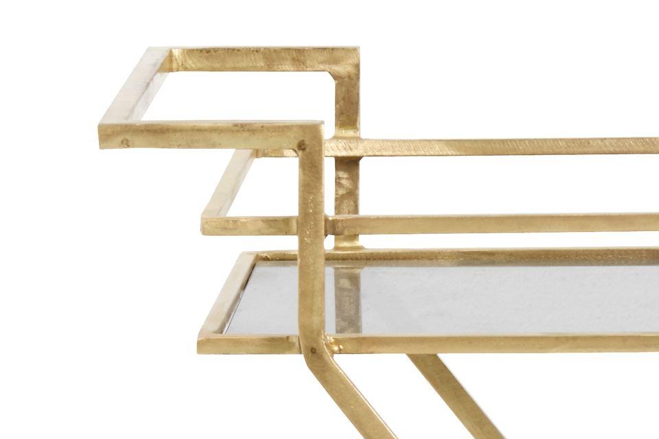 Elegante y delicada, una mesa auxiliar ideal sobre ruedas