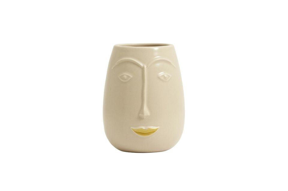 Representando una cara sonriente con labios dorados