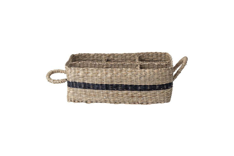 Esta cesta rectangular de junco marino te seducirá con su aspecto retro y el toque chic de su raya