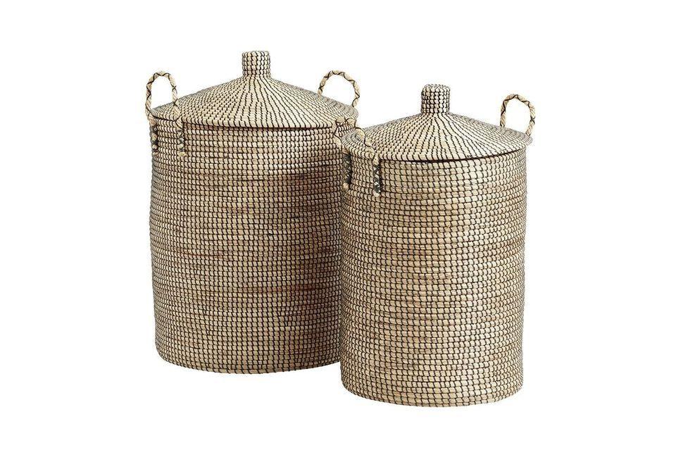 Estas dos hermosas cestas en trenzado natural de junco de mar están hechas a mano