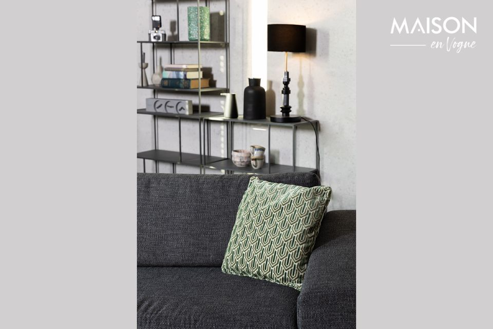 Su comodidad puede ser un toque acogedor en un sofá o una cama