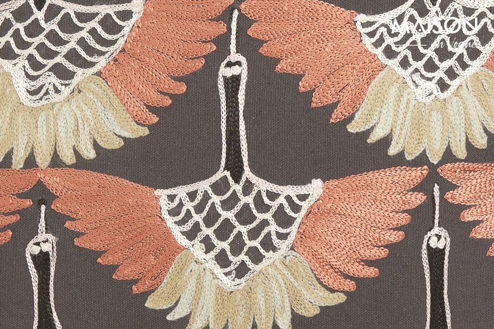 Preciosa y meticulosamente decorada con elegantes motivos finamente cincelados
