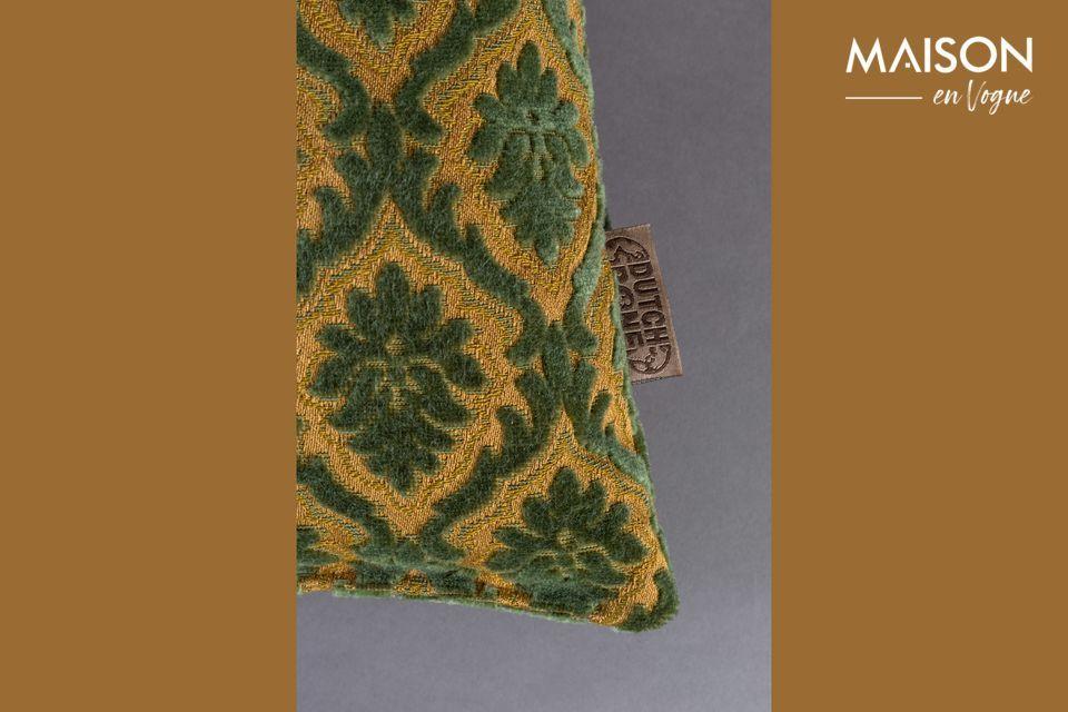 Este cómodo y decorativo accesorio presenta un patrón de plantas repetidas sobre un fondo liso