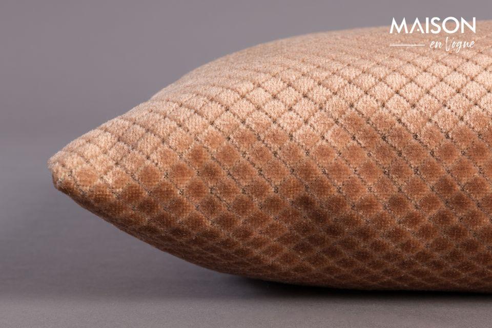 Rectangular, tiene 60 cm de largo y 30 cm de ancho