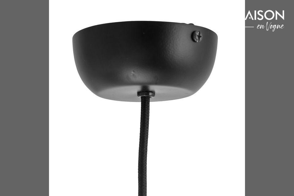 Esta lámpara colgante le dará algo de color a su sala, entrada o comedor