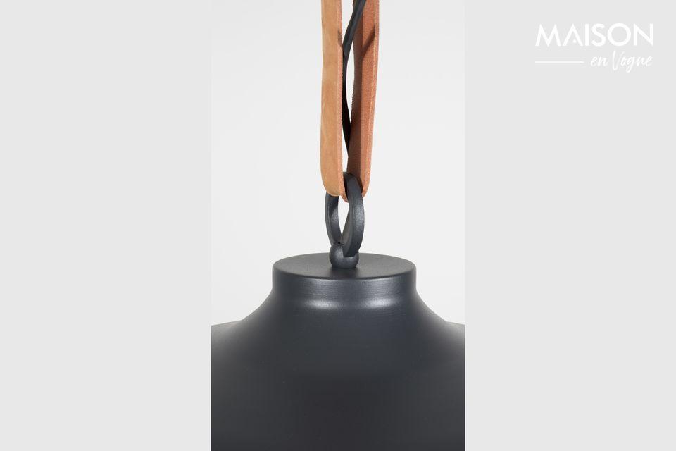 También es un accesorio práctico y funcional con su altura ajustable