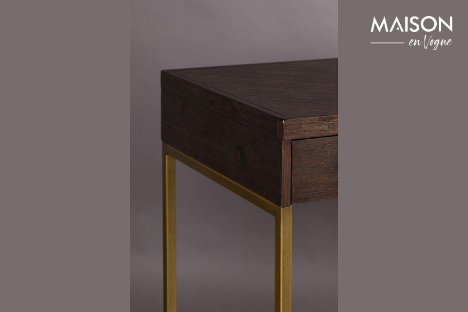 Evoca el diseño minimalista de los años 20 con ángulos pronunciados