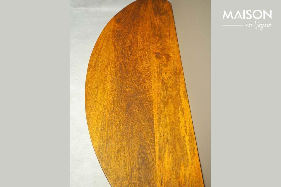 Una consola de árbol de mango con un diseño discreto
