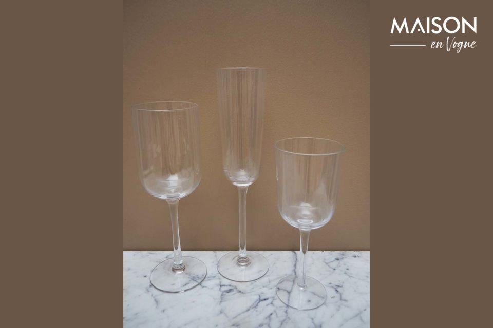 La clásica e intemporal copa de vino blanco de Victoria