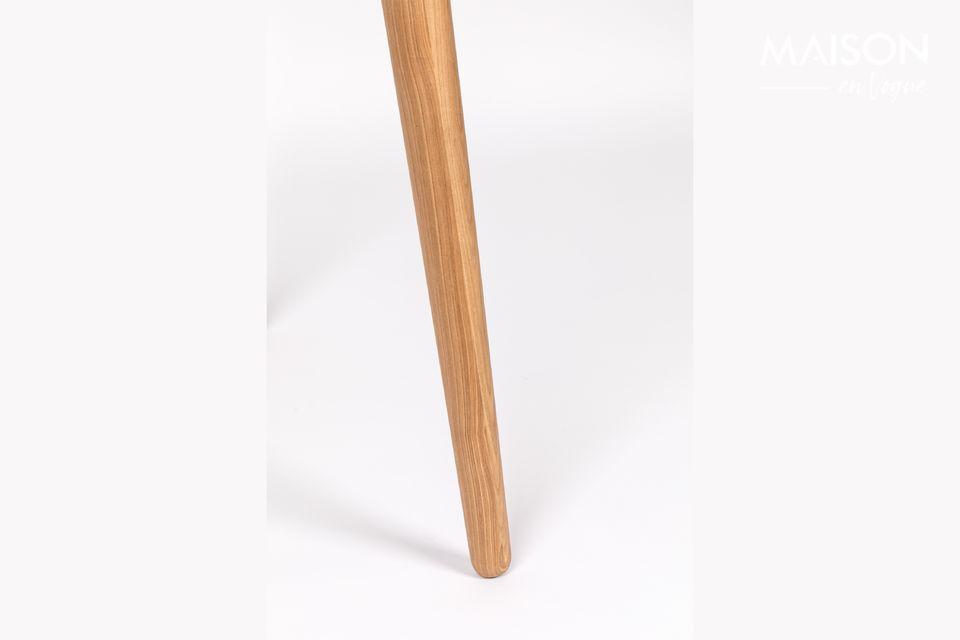 El escritorio de Barbier Naturel parece ser una pieza delicada en sus estrechas patas