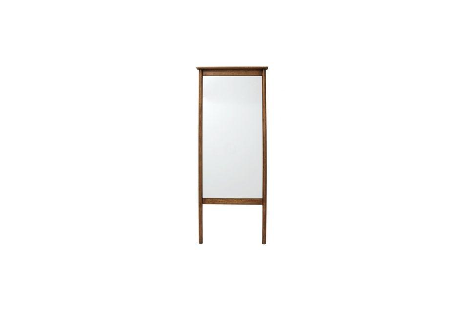 El espejo de pie Wasia de la marca danesa Nordal es auténtico y natural