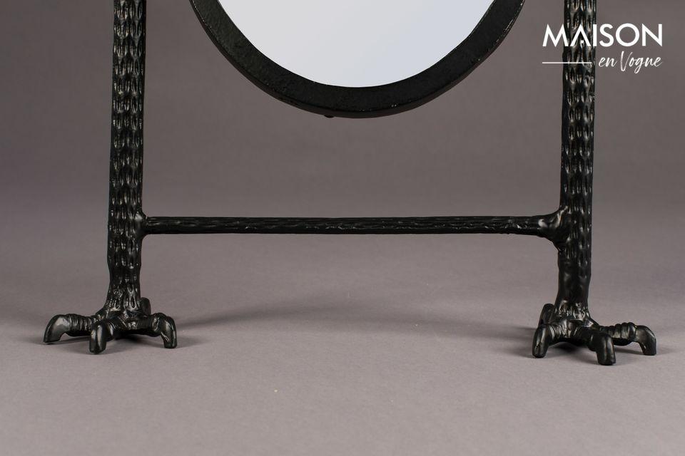 Un objeto refinado y decorativo, este accesorio puede vestir un aparador, un tocador o una chimenea