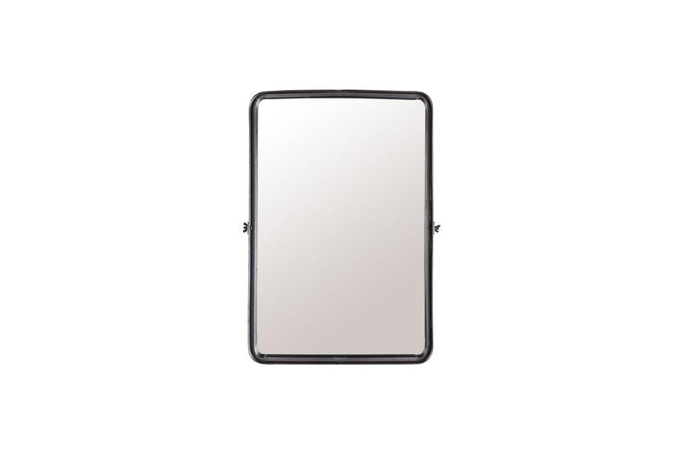 Hemos elegido el espejo ligeramente empotrado para darle un diseño más interesante