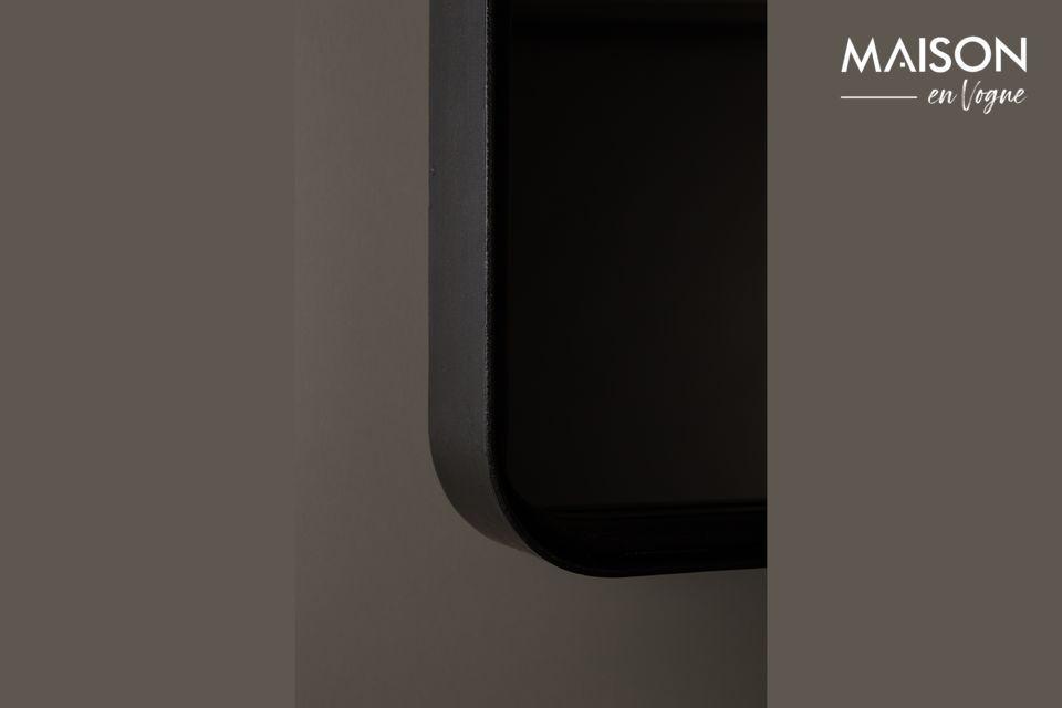 Este producto está hecho de un marco de hierro cuadrado recubierto de polvo negro