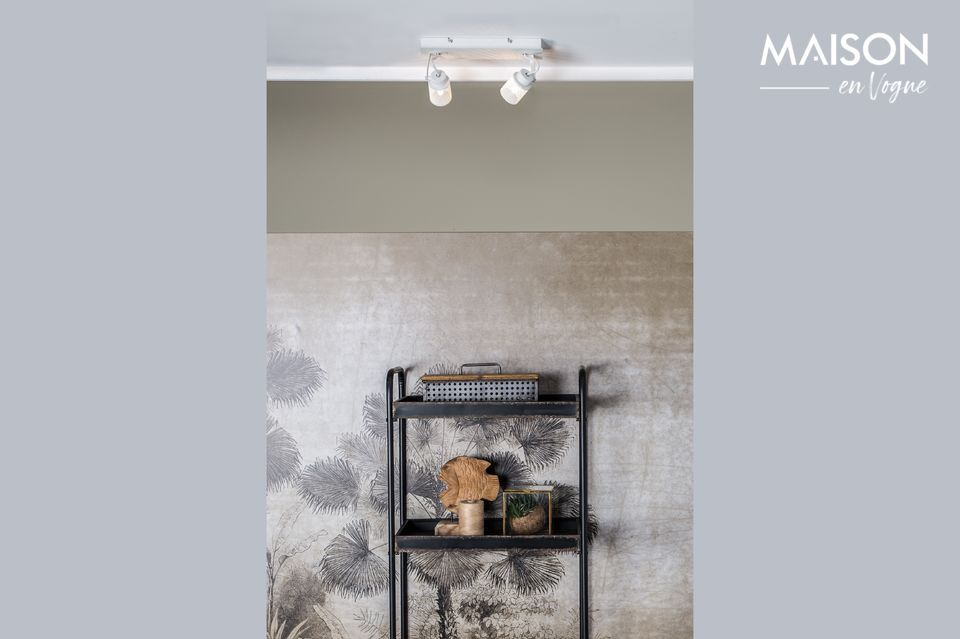 Es ideal para iluminar cualquier habitación gracias a su fuente de luz LED y su lado