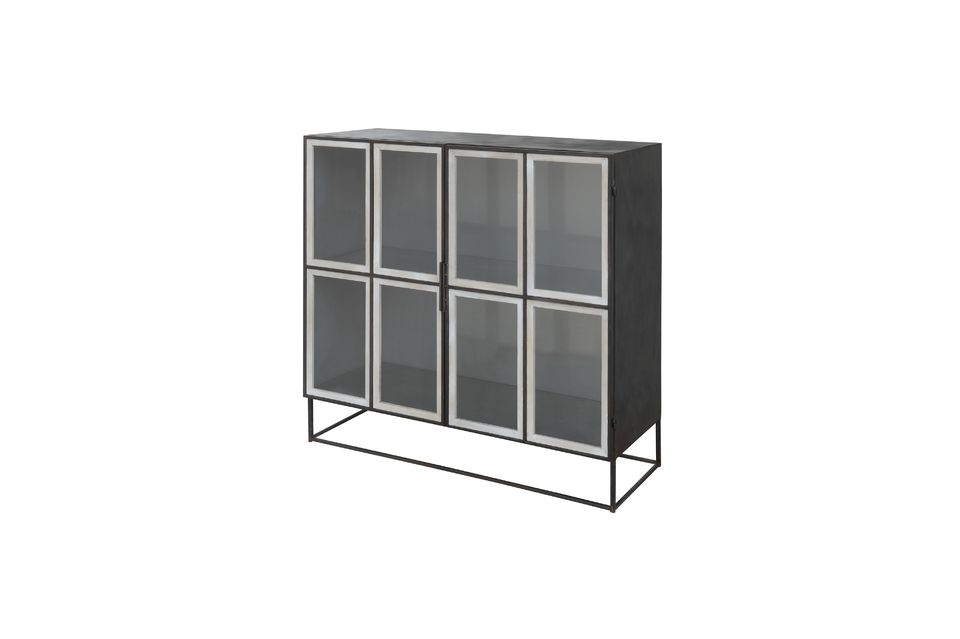 Este armario de metal se mezcla armoniosamente en la sala de estar