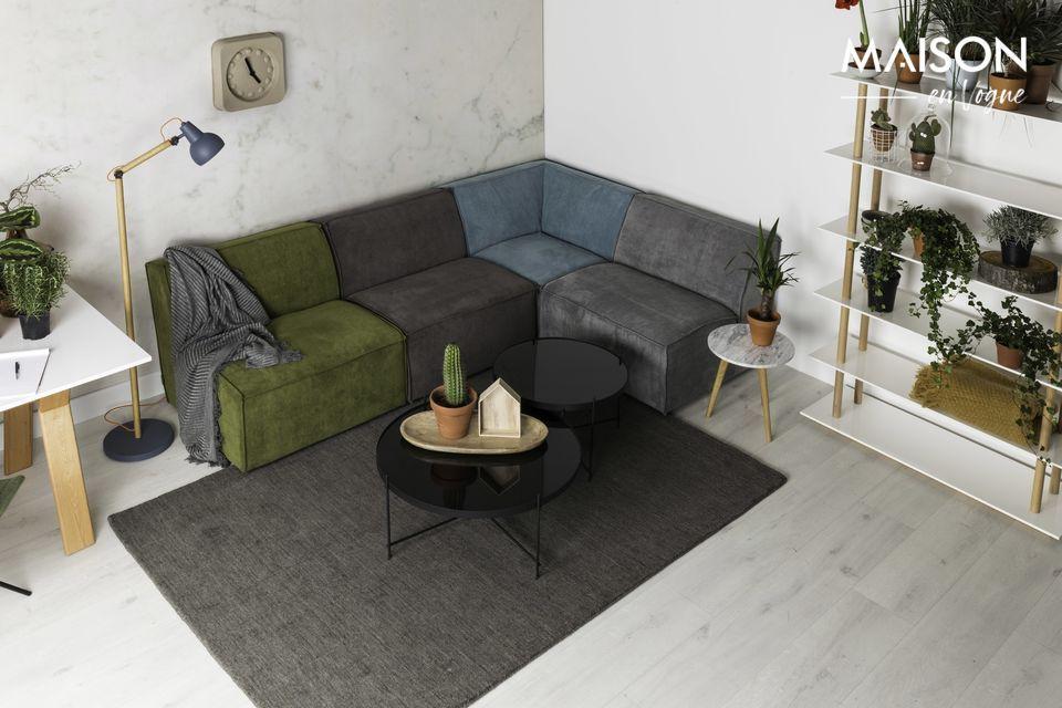 Una mesa auxiliar de diseño y práctica