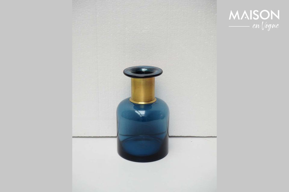 La elegancia de un jarrón de diseño antiguo