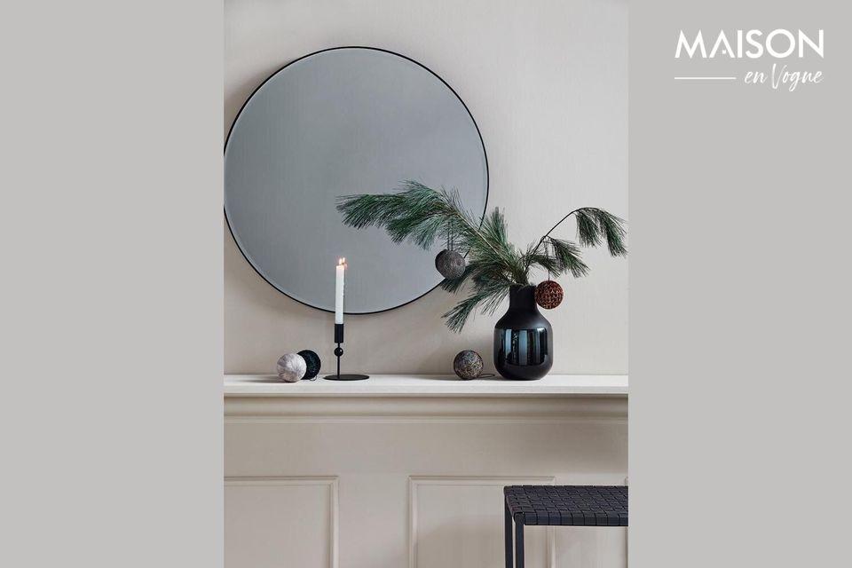Un jarrón elegante y decorativo