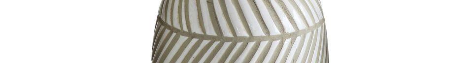Descriptivo Materiales  Jarrón decorativo Jonchery