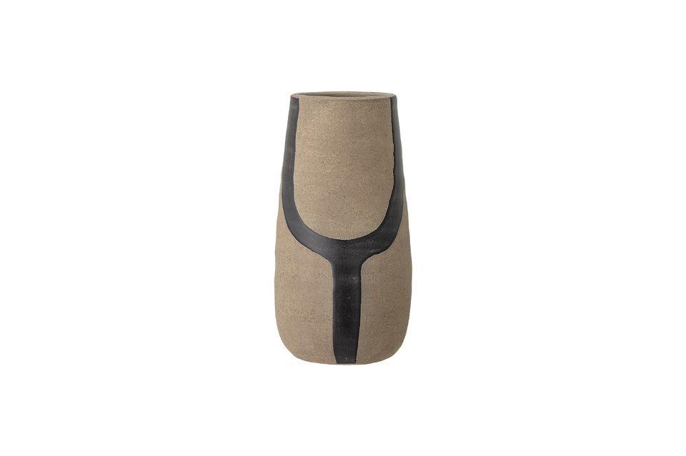 Un jarrón natural, minimalista y puro