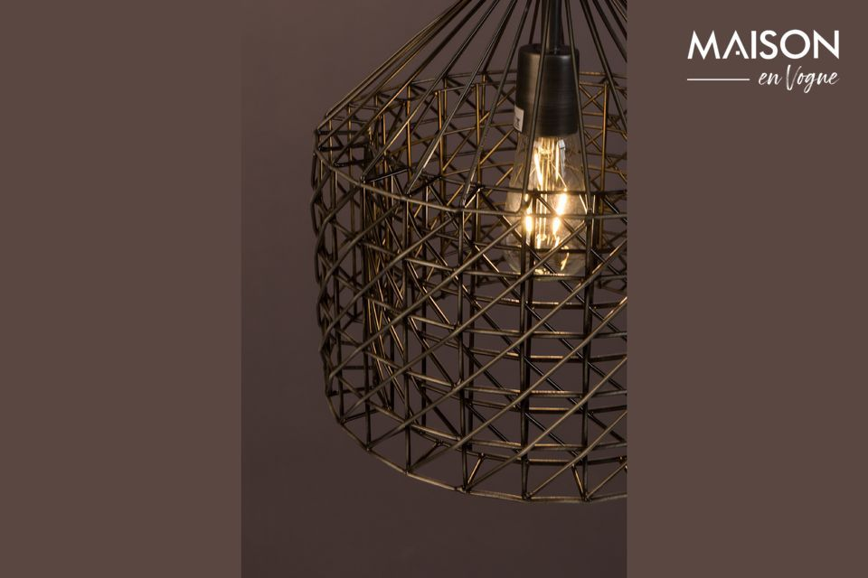 Esta lámpara combina un estilo vintage por su tono y un diseño de gran originalidad