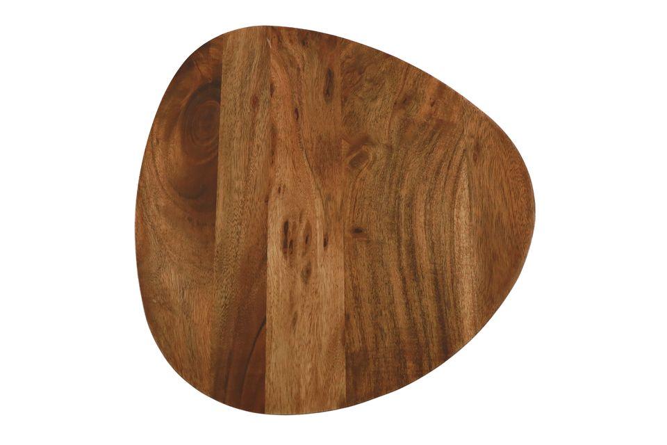 Un juego de 3 mesas en madera de acacia para dar un toque decorativo natural