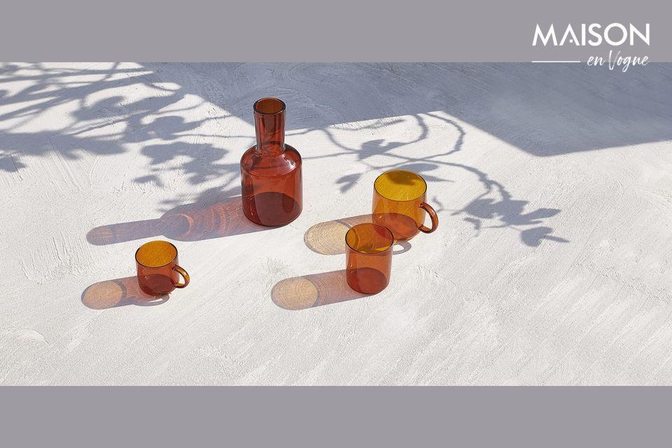 Tazas de vidrio de color ámbar