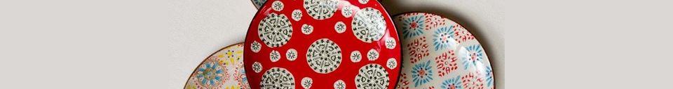 Descriptivo Materiales  Juego de 4 platos de cerámica Bohemia