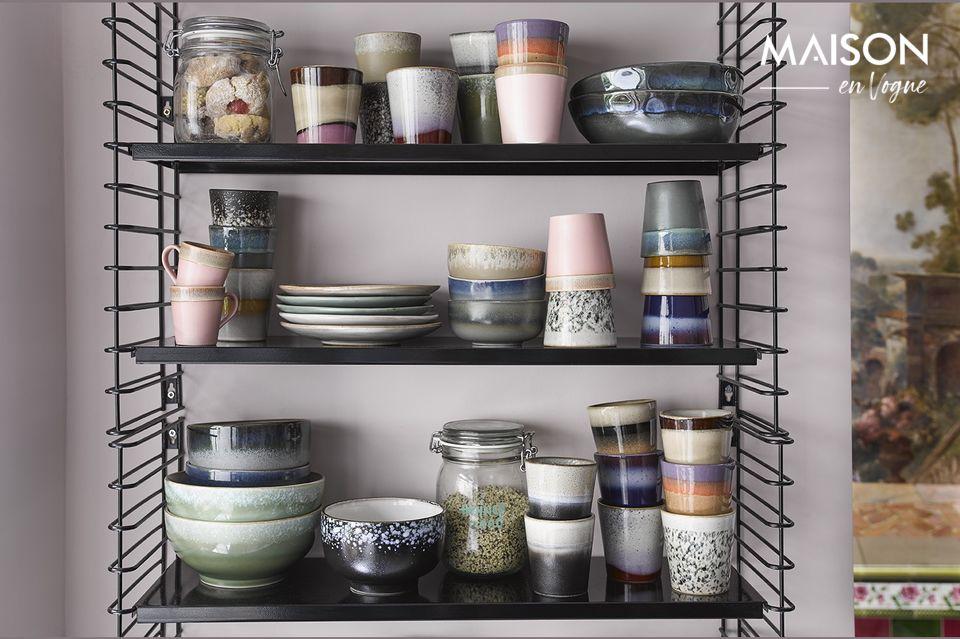 Hechas de cerámica, estas 6 tazas están inspiradas en la decoración de los años 70