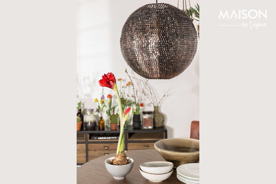 Los aparatos de iluminación juegan un papel central en la decoración de un interior y