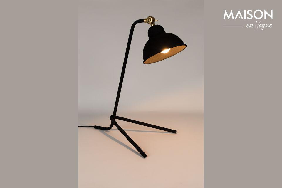 Una hermosa lámpara de escritorio sobria pero elegante.