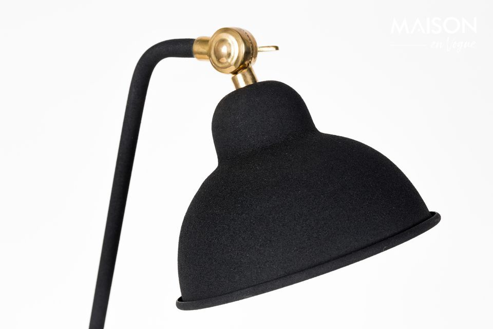 ¡Aquí hay una lámpara que se sentará orgullosamente en tu escritorio! A la vez discreta y