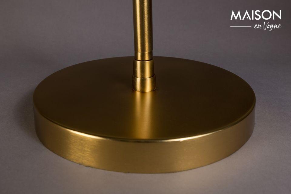 Metal negro pulverizado sobre una base con un acabado dorado y el efecto está garantizado con esta